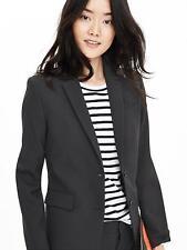 Banana Republic light weight suit, NWT, light weight blazer 2P, Skirt sz 2