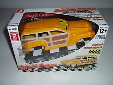 Hawk 1:24 Diecast Metal Extreme Custom Golden Yellow Beach Reacher Woody Cruiser