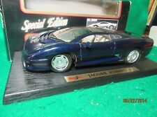 Jaguar XJ220 Die-cast Metal Scale 1:18 by Maisto