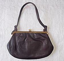 VINTAGE 60S REDDY BROWN LEATHER QUALITY SMALL HAND BAG BRIGHT GOLD METAL FRAME