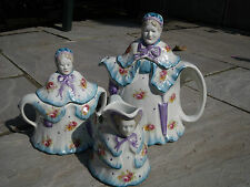 Novelty 1930s Little Old Lady Teapot, Milk Jug/Creamer & Sugar Bowl Trio Set.