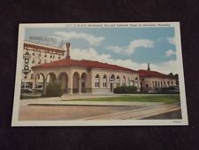 VTG C, B. & Q. (BURLINGTON) BUS & RAILROAD DEPOT CHEYENE, WYOMING POSTCARD VF/NM