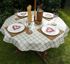 1.4m ROUND GREY HEARTS WIPECLEAN/PVC TABLECLOTH WITH PARASOL HOLE / GARDEN