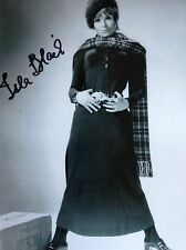 ISLA BLAIR - DR WHO ACTRESS - EXCELLENT SIGNED B/W PHOTOGRAPH