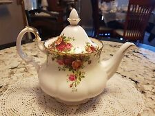 ROYAL ALBERT OLD COUNTRY ROSES BONE CHINA TEAPOT VERY LARGE