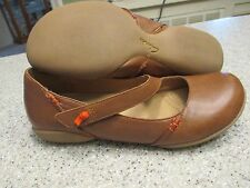 CLARKS Womens Shoes Size 8 1/2 W BRITISH TAN LEATHER  MARY JANES LN
