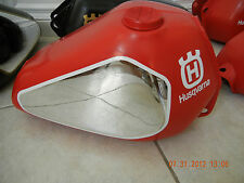 Husqvarna 72-82 Gas Tank Chrome Knee Stickers