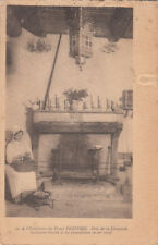 PEROUGES 30 à l'hostellerie près de la cheminée tourne-broche chandeliers en fer
