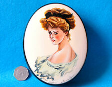 Russian UNIQUE hand painted LACQUER Box Sapphic lesbian gay LADY PORTRET signed