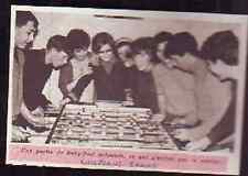 1966  --  CONFLANS JARNY  PARTIE DE BABY FOOT CLUN JEUN