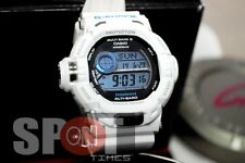 Casio G-Shock Men in Ice White RISEMAN MULTI BAND 6 Men's Watch GW-9200PJ-7