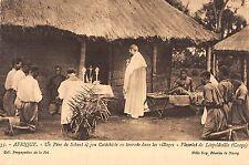 BR57018 Afrique Lepoldville Un pere de scheut et son catechiste en tour   Africa