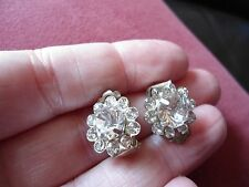 PRETTY PAIR OF CRYSTAL SET SPARKLY BLINK SMALL FLORAL CLIP IN EARRINGS GIFTING,