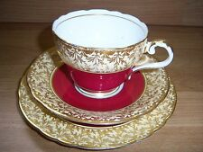 AYNSLEY BONE CHINA TRIO IN RUBY/GOLD LEAF