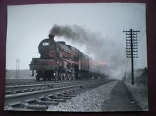 PHOTO  8 X 6 IN LMS BLACK FIVE AT RUGELEY EASTER MONDAY 1957