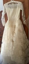 Beautiful Vintage Lace Wedding Gown 40-50's