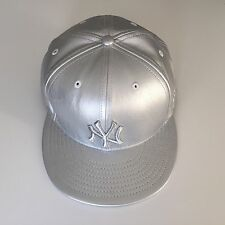 Rare Genuine New Era Silver NY Yankees Leather Effect Cap Size 7 1/2 59.6cm
