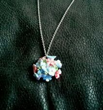 Pink and blue porceline pendant necklace (neck 174) couple of chips