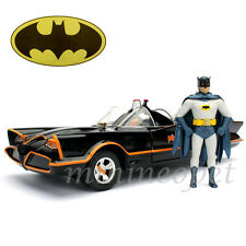 JADA 98259 METALS CLASSIC TV SERIES 1966 BATMOBILE 1/24 with BATMAN ROBIN FIGURE