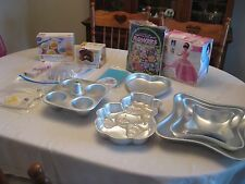 Wilton Lot, Cake Pans, Decorating Tips and Supplies