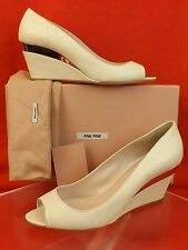 NIB MIU MIU PRADA WHITE PEARL STINGRAY EMBOSSED LEATHER PEEP TOE WEDGES 37 $650