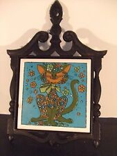 VINTAGE SMALL ART DECO CAT TRIVET CAST IRON/CERAMIC  (SMALL CHIP ON FRONT)