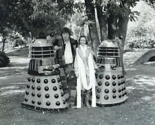Tom Baker, Lalla Ward & The Daleks UNSIGNED photo - H130 - Doctor Who