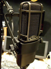 Superlux R102 Ribbon microphone + cradle + XLR lead