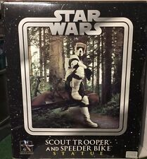 Star Wars Gentle Giant Scot Trooper Y Speeder Bike Estatua En Caja