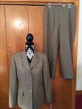 Le Suit Pant Suit, sz 10P, Light Brown Family, 100% Polyester, LIned. EUC!!