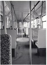 FOTO/REPRO ZEIGT S-BAHNWAGEN DER BVG ABTEIL INNEN  1992  (AGF538)