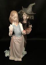 """Lladro """"Snow White w/Apple"""" Disney Witch (5067 Christmas) Rare"""