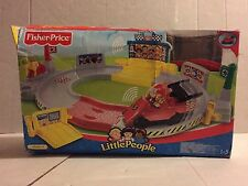 Vintage Rare Fisher Price Little People Lil' Movers Race Track Working