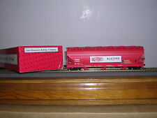 "INTER.Spec. Du Pont ""Red"" ACF. 4650 Cu.Ft.3-Bay C.F. Hopper Car w/5 #s H.O.Gauge"