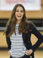 Catherine, Duchess of Cambridge UNSIGNED photo - H5894