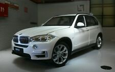 G LGB 1:24 Scale Welly Diecast Very Detailed Model BMW X5 4x4 2015 24052