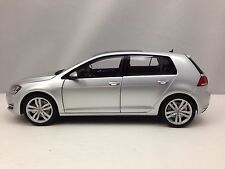 Norev Volkswagen VW Golf VII 2013 Silver 5 Door Hatchback Diecast Model Car 1/18