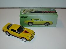 JOHNNY LIGHTNING #21 1977 CAMARO Z28 PRO COLLECTOR WITH TIN 1999 PLAYING MANTIS