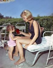 8x10 Print Carol Lynley with Daughter #5502698