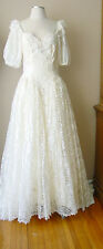 VINTAGE LACE PEARLS SEQUINS LINED LONG TRAIN IVORY WEDDING GOWN DRESS