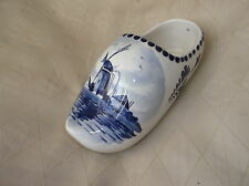 COLLECTABLE VINTAGE NICE SIZE DELFTS BLAUW HANDPAINTED CLOG POSY VASE 1317