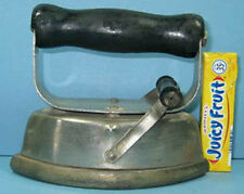 1900 TOY ASBESTOS IRON W/ DETACHABLE HANDLE AUTHENTIC & OLD  CI 871