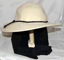 Street Smart by Betmar Creamy White Wool Hat with Attached Black Scarf Sz M USA