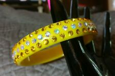 FAB VINTAGE-NOW YELLOW SPARKLE LUCITE ARORA BOREALIS RHINESTONE BANGLE BRACELET