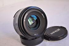 Nikon AF Nikkor 28mm f/2, 8, FX e DX