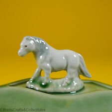 Wade Whimsies (1987/88) Whimtray/PinTray Series (Green Dish) Whimsie-Land Pony