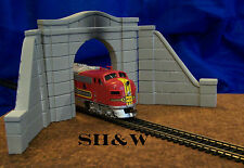 SPECIAL OFFER  Arched Concrete Tunnel Portal and Wall Set- HO