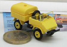 20412: Unimog 411, Sprengwagen, gelb