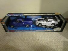 MAISTO 1/18 SHOW STOPPERS CHEVY SSR AND DODGE VIPER W/ TRAILER NEW