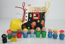 Vintage Fisher Price 136 Lacing Shoe Little People Play Family Dog Bear 9 People
